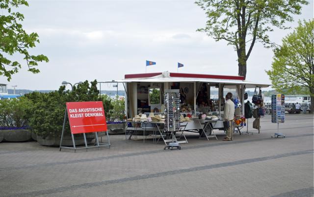 Ausgabestelle des Akustischen Kleist Denkmals am Kleinen Wannsee